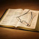 BIBLIA-Y-ESPEJUELO-300x225